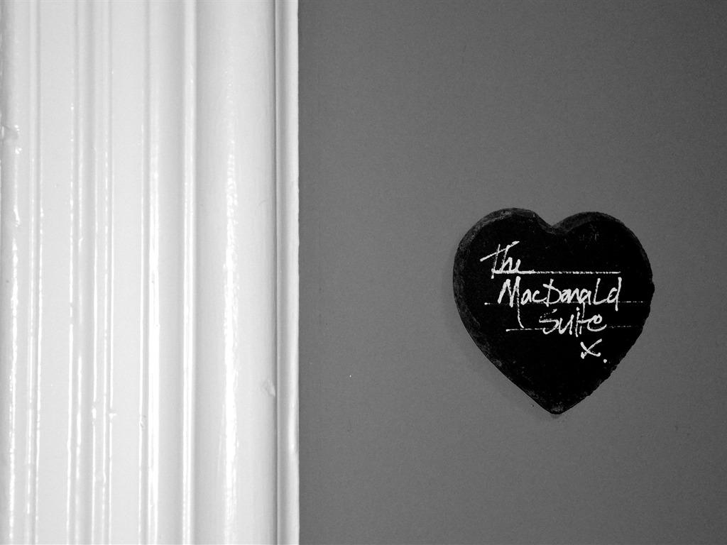 macd door